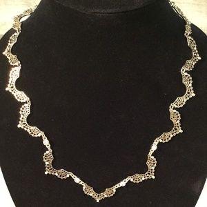 Jewelry - Elegant gold necklace with rhinestones